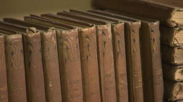 «Бесценное наследие»: телерадиокомпания «Петербург» передаёт РНБ 350 тысяч книг и журналов