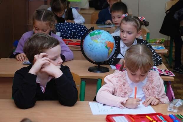 График работы детских садов и школ планируют пересмотреть в России