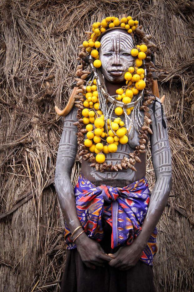 Женщина племени Мурси в долине Омо, Эфиопия вокруг света, путешествия, фотография