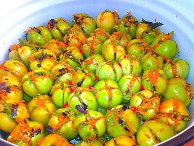 Вкуснейшие зелёные помидорчики - квашенные и быстрые