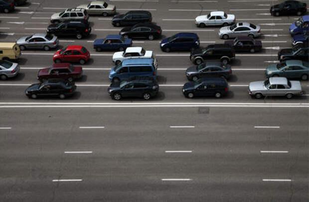 В России предложили сузить левую полосу  на автомагистралях