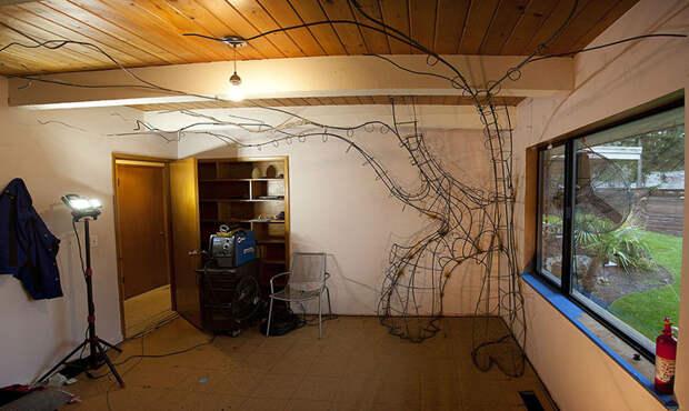Спустя 100-120 часов каркас дерева был готов дерево, дочь, отец, спальня
