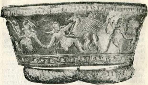 Золотой калаф и стленгида из склепа I, в кургане Большая Близпица. IV в. до н. э. (Эрмитаж).