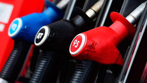 Источники: АЗС стали скрыто поднимать цены на топливо для корпоративных клиентов