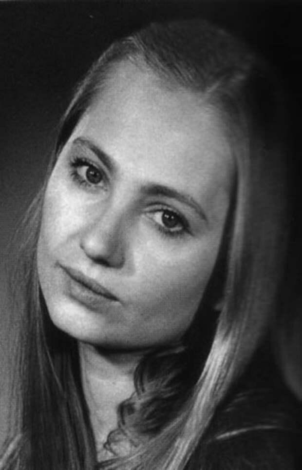 Лариса Луппиан в юности / Фото: www.keeno.tv