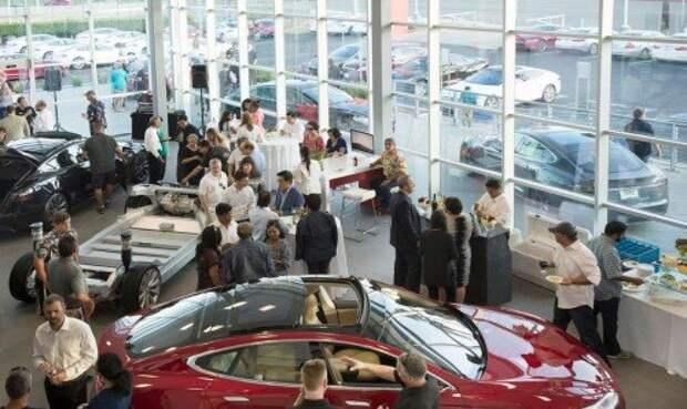 Салон по продаже подержанных Tesla