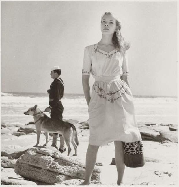 Красотка из 60-ых Иветт Мимо