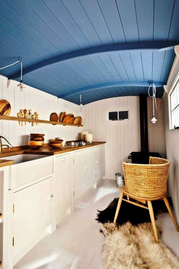 12 вдохновляющих интерьеров, на которые стоит взглянуть всем владельцам небольших кухонь…