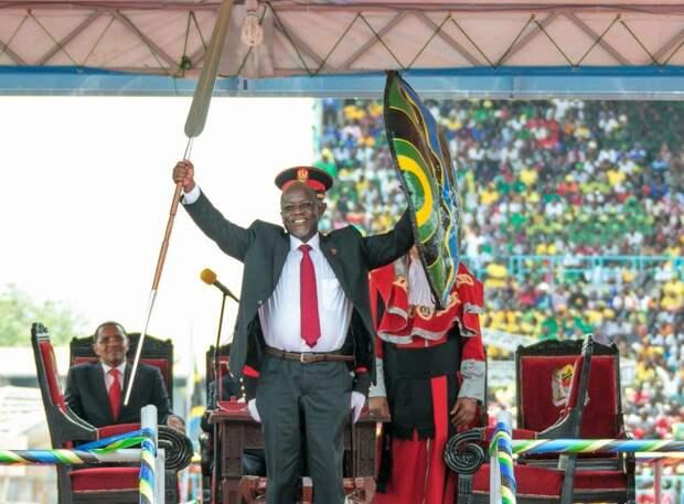 Умер президент Танзании, отказавшийся от вакцинации населения