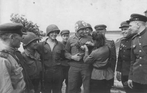 Братание солдат на передовой и в тылу