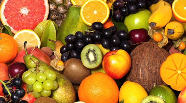 Как правильно есть фрукты?