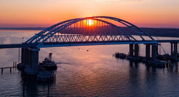 Инопланетяне или стихийное бедствие: украинские политики об уничтожении Крымского моста