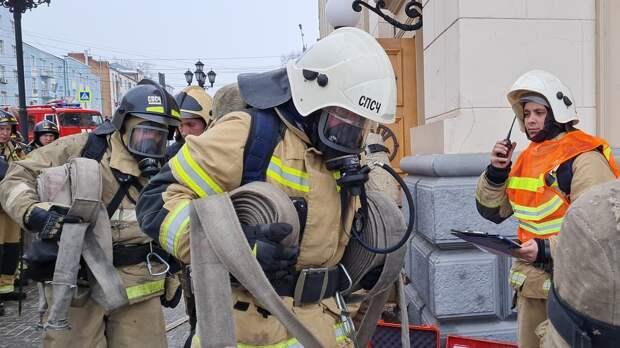 Спецтехника пожарных съедется к ТРЦ «Молл-Матрица» в Ижевске
