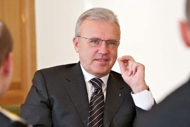Уссу посоветовали слушать Медведева, а не «качать права»