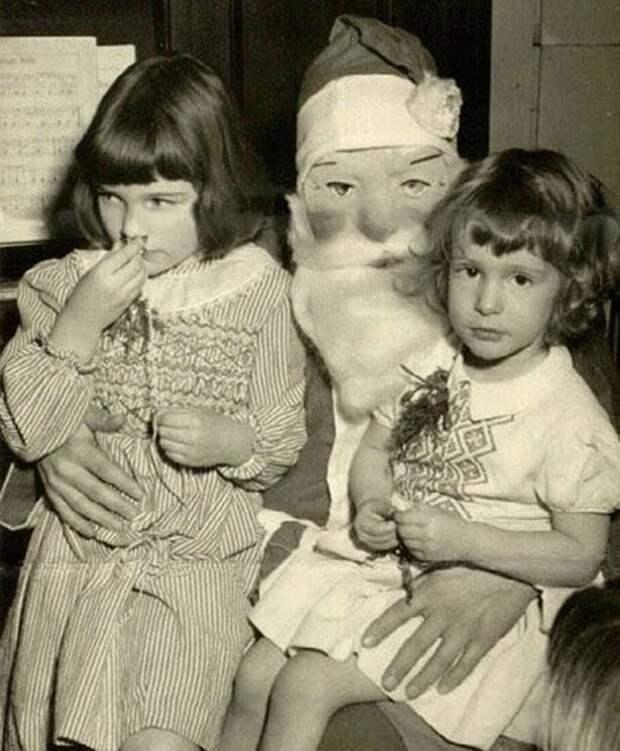 10 криповых Дедов Морозов, которых ты не захочешь встретить у своей елки