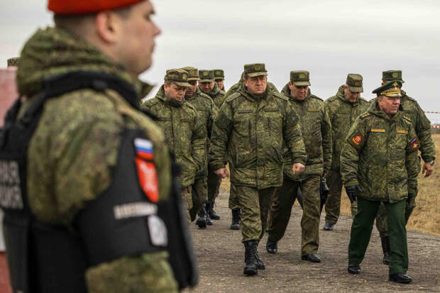 Проверка командующим войсками ЗВО хода сдачи контрольной проверки окружным Центром боевой подготовки в Нижегородской области
