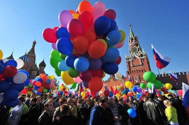 Почти 20% россиян изменили планы на майские праздники после указа Путина