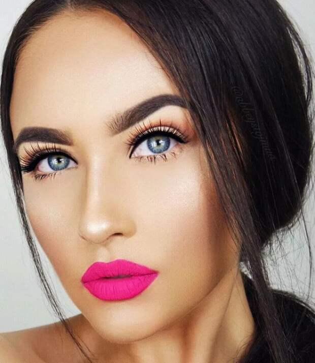 И вновь в строю. 8 трендов в макияже, реанимированных стилистами в 2021