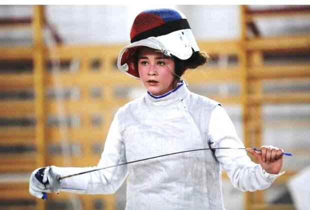 Школьница из Куркина стала чемпионкой России по фехтованию