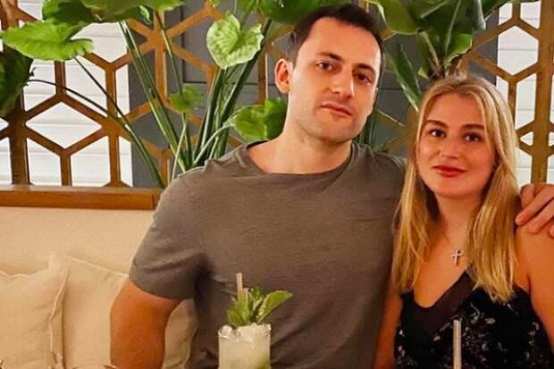 Дочь Абрамовича объявила опомолвке