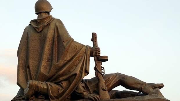 «Волонтеры Победы» благоустроили монументы памяти солдат в России и за рубежом