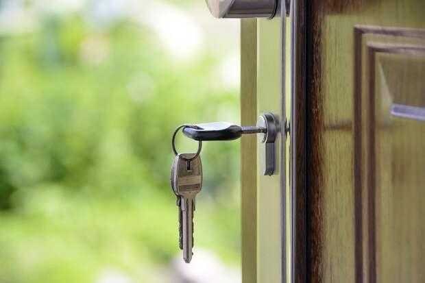 Дверь с ключом, фото: pixabay.com