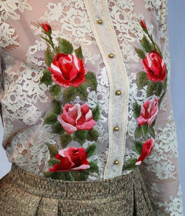 Вышивка по кружевной блузке