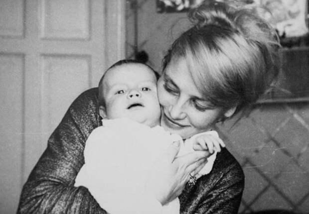 20 фотомгновений из жизни Натальи Кустинской – «русской Брижит Бардо» и первой красавицы советского кино