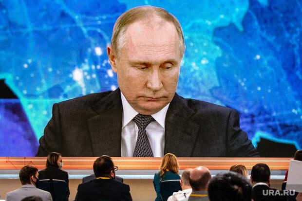 Сталин и Ленин обошли Путина в рейтинге выдающихся личностей