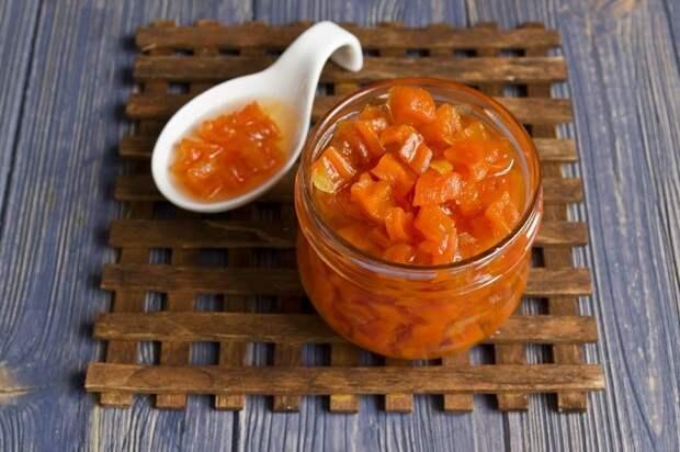 Варенье из моркови с бутонами календулы