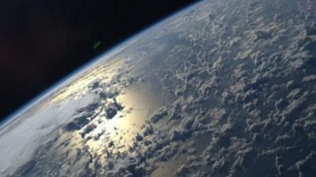 Китай хочет построить в космосе многокилометровую станцию