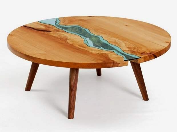 Кофейный столик созданный из неприглядных старых досок