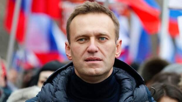 Новое дело против Навального и команды, интерес США к российским базам в Азии, юристы КПРФ в полицейской осаде