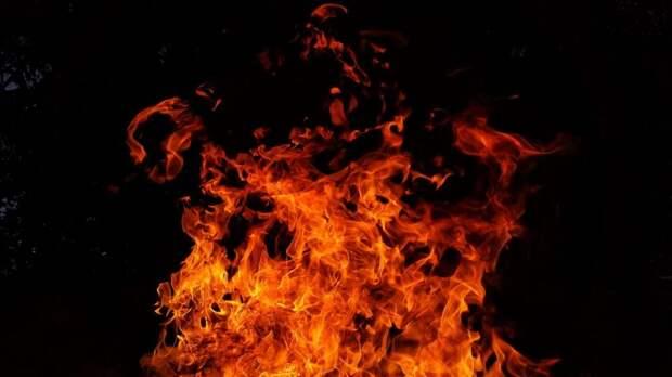 На 2-й Квесисской загорелся мусор