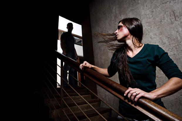 Домашнее насилие: яд в отношениях