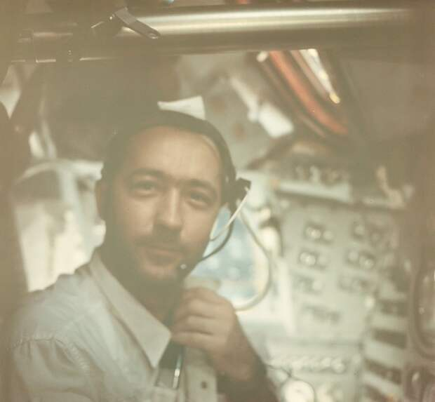 1969, март. На борту «Аполлона-9» командир корабля Джеймса МакДивитт
