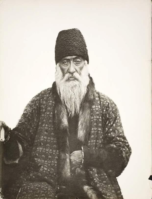 Мирза Юсуф-хан Аштиани, садразам (великий везир) (1812-1885)
