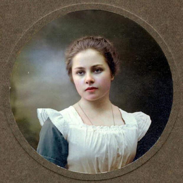 Ученица Александровского института благородных девиц, Санкт-Петербург