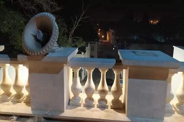 В Керчи нашли вандалов, разбивших вазоны Митридатской лестнице