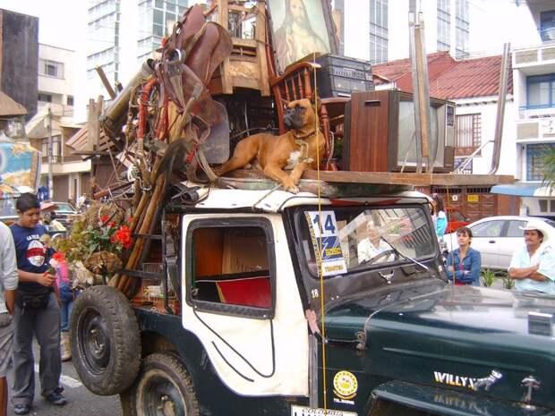 Willys Jeep - главный герой красочного переезда по-колумбийски