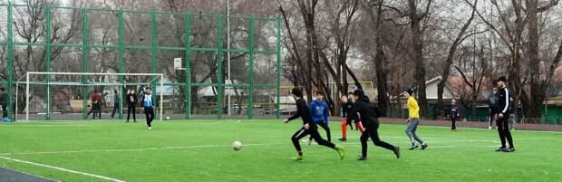 В пригороде Караганды построят футбольное поле и детскую площадку