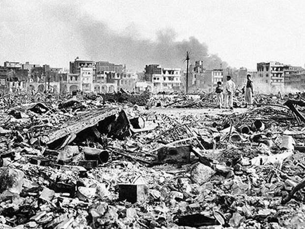 Выставочный Ми-4 попал под бомбежку в Каире