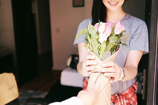 Составлен список самых нежеланных подарков на День всех влюбленных