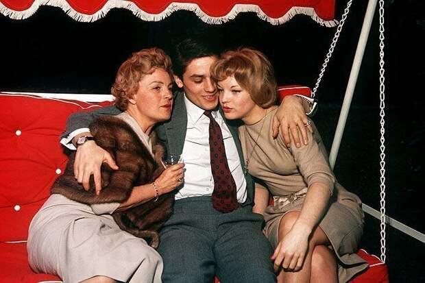 Ален Делон, Роми и Магда Шнайдер, 22 марта 1959 года.