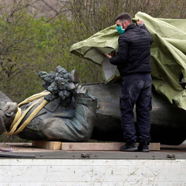 Объяснен отказ Чехии передать памятник маршалу Коневу России ...