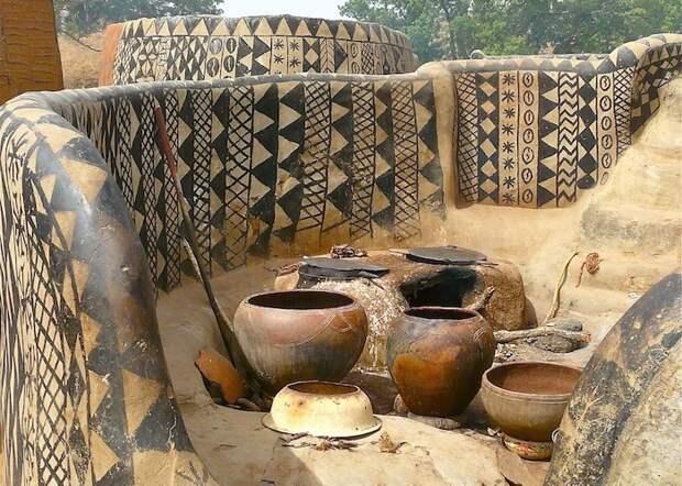 Удивительная планета: африканская деревня, где каждый дом - произведение искусства