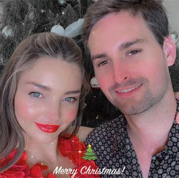 Рождество-2020: Криштиану Роналду, Дэвид и Виктория Бекхэм, Джастин Бибер и другие поделились семейными снимками