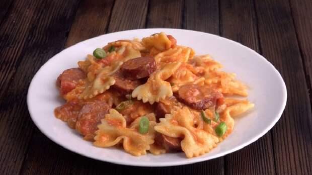 Макароны в одной сковороде: 4 рецепта быстрого ужина или обеда