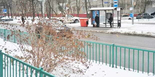 На Сухонской удалили незаконную рекламу — «Жилищник»
