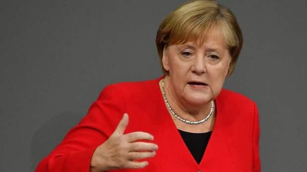 Меркель: свободу слова нужно ограничить ради свободы общества